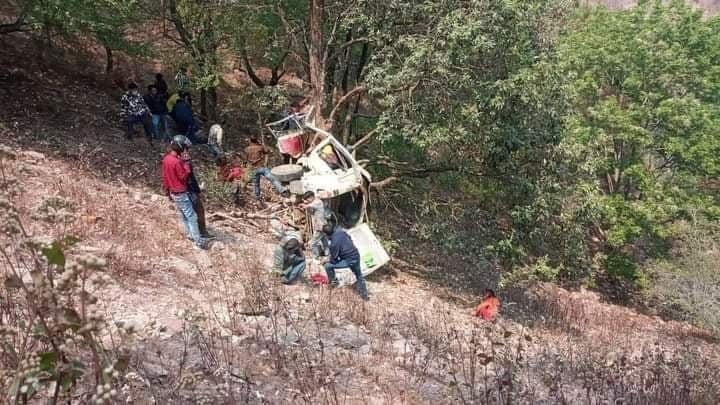 गुल्मीबाट प्युठानको स्वर्गद्वारी जाँदै गरेको जिप दुर्घटना, पाँच जनाको मृत्यु