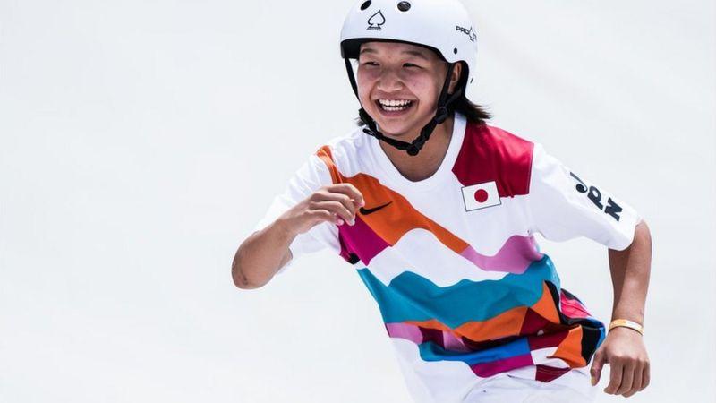 टोक्यो ओलिम्पिकमा १३ वर्षीया जापानी खेलाडीले स्वर्ण पदक जितेर इतिहास रचिन्