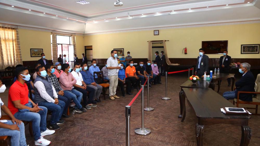 भारतीय एसएसबीको ज्यादती रोक्न प्रधानमन्त्रीसँग पाँच विद्यार्थी संगठनको माग